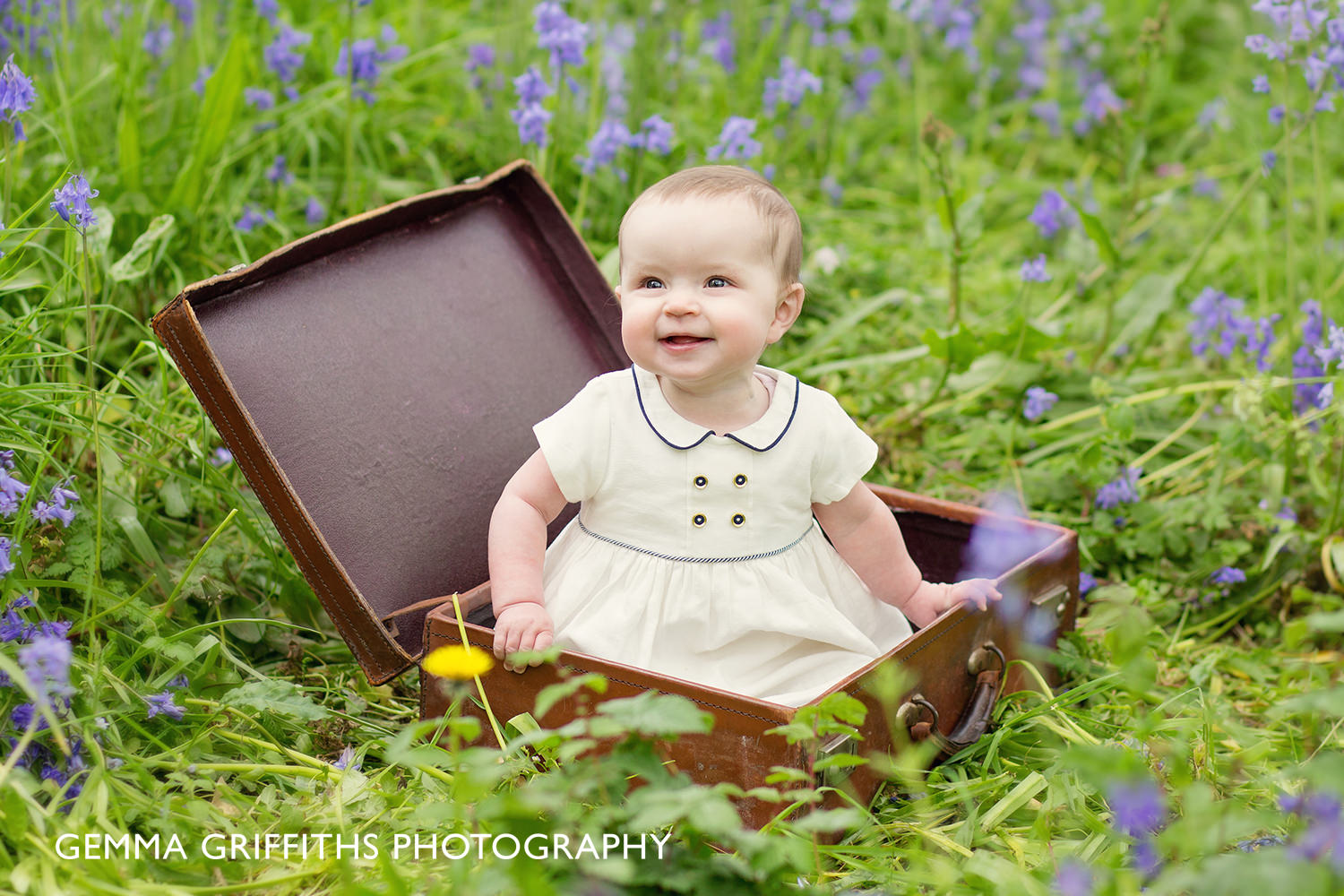Sisters Spring Photo Session with Gemma Griffiths Photography