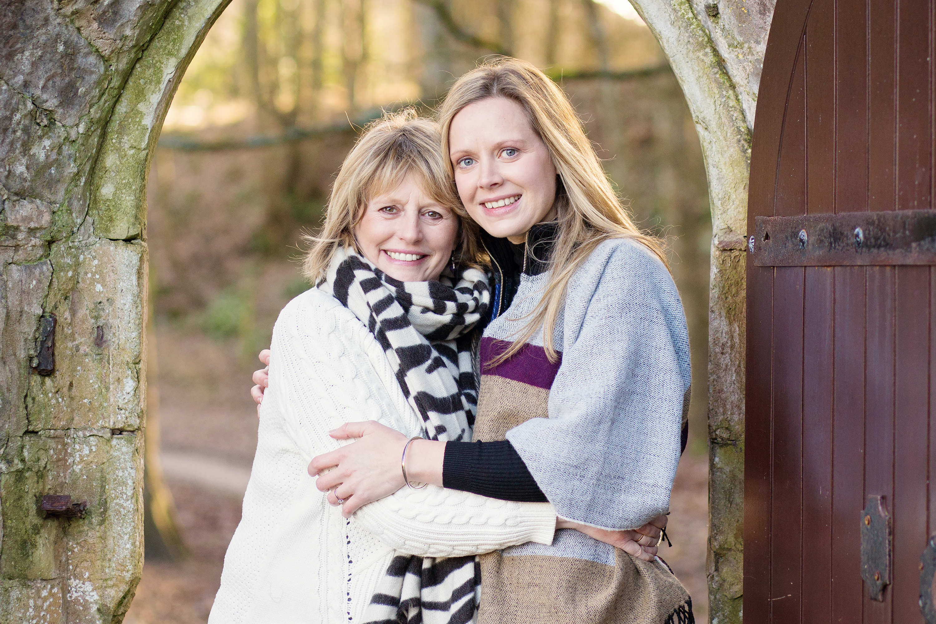Mum and daughter photo shoot in Dunraven Gardens