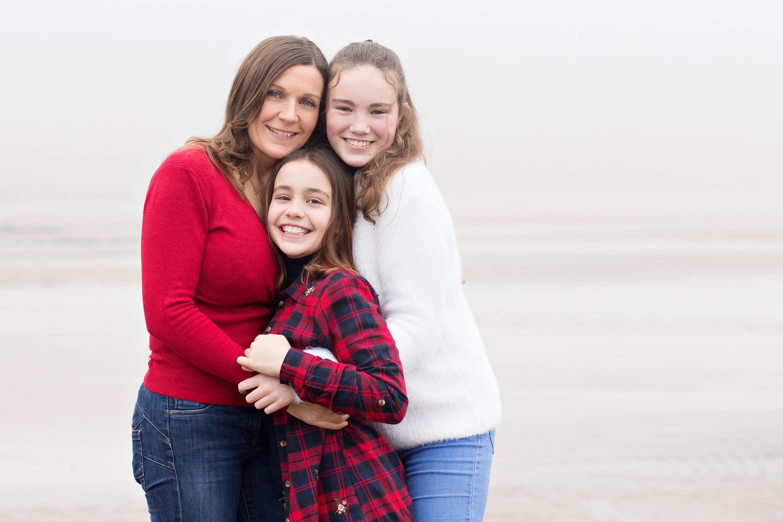 Mum and daughters winter photo shoot