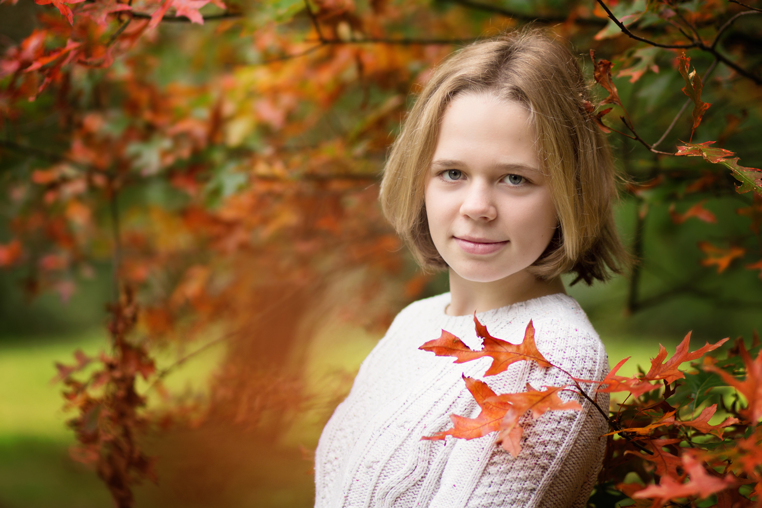 girl portrait in autumn